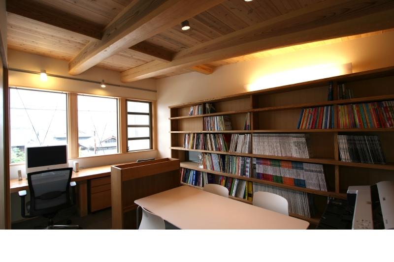 事務所 資料用のオリジナル本棚