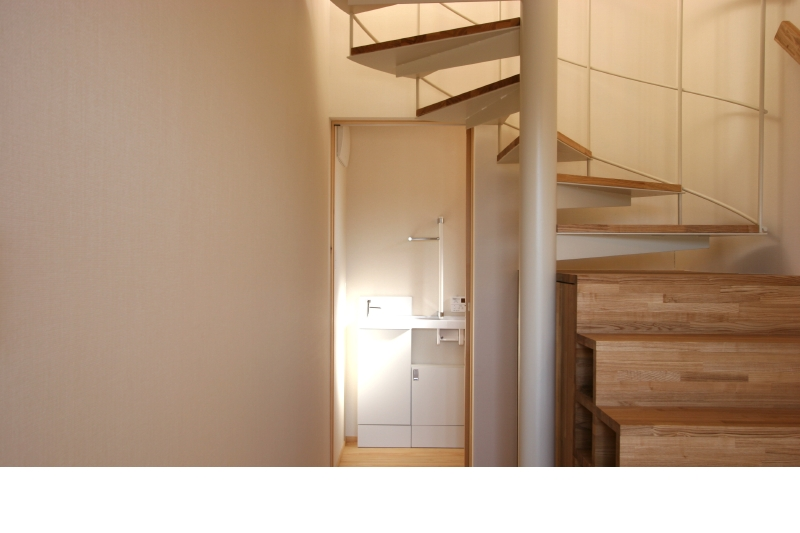 玄関 箱階段の収納